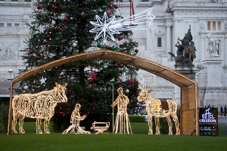 For Christmas 2011, a nativity scene was set up in Piazza Venezia in front of the Altar of the Fatherland