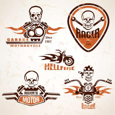 klubok: Állítsa be a szüreti motorkerékpár címke, jelvény és design elemek koponya grunge stílusban