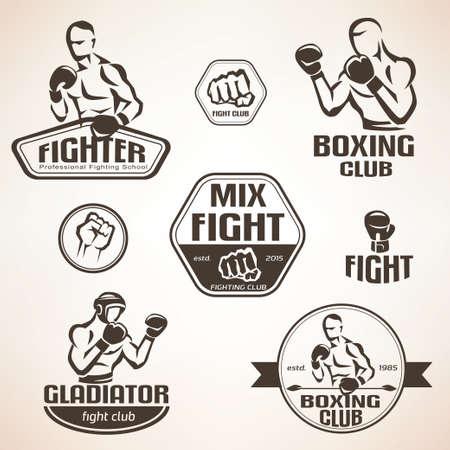Set di emblemi combattimenti club, MMA, etichette boxe e bages Vettoriali
