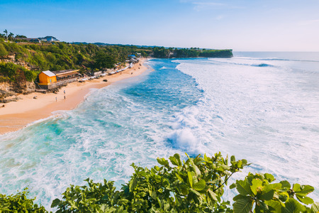 Blue waves for surfing and tropical beach in Bali Banque d'images