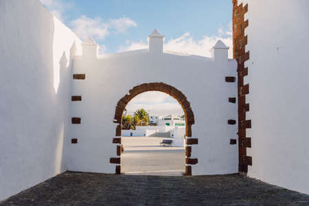 Lanzarote, Spain - April 04, 2020. The old architecture of city of Teguise. 新聞圖片