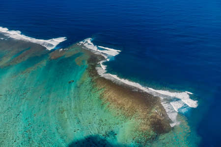 Tropical ocean in Mauritius with reef and waves. Aerial view Foto de archivo