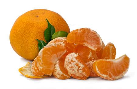 citrus reticulata: Mandarin oranges (Citrus reticulata) with segments on a white background.
