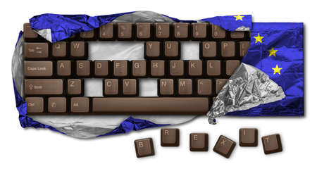 Computer keyboard chocolate, without B, R, E, X, I and T keys, wrapped in blue aluminum foil. Hi Res image isolated on white. Brexit is the withdrawal of the United Kingdom from the European Union. Banque d'images - 120615383
