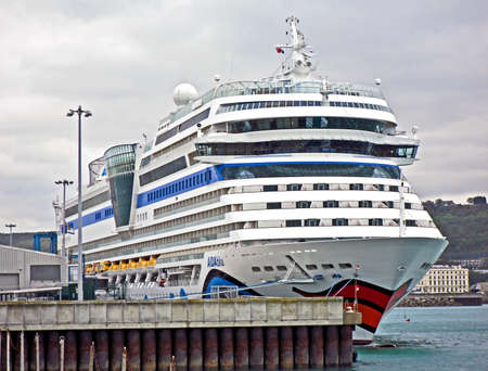 britan: Dover, United Kingdom - October 04, 2011: The cruise ship AIDAblu by AIDA Cruises has moored in the port of Dover. It was on a 7-night cruise. AIDA Cruises is a branch of the Italian company Costa Crociere SpA.