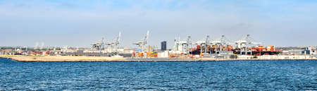 Panorama of the port of Aarhus (Denmark) 版權商用圖片 - 143698763