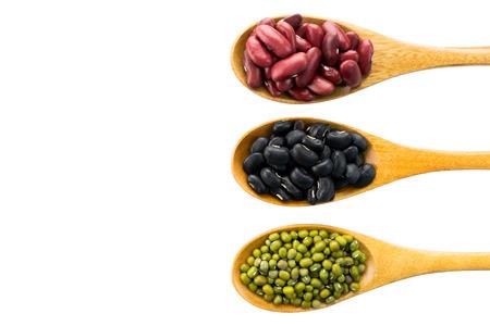 frijoles rojos, guisantes de ojos negros y judías verdes con los beneficios para la salud de los granos enteros.