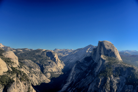 overlook: Glacier Point overlook view and Half Dome in Yosemite National Park Stock Photo
