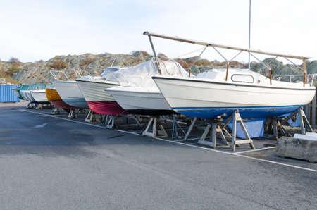 Veel boot op berging voor de winter op de pier