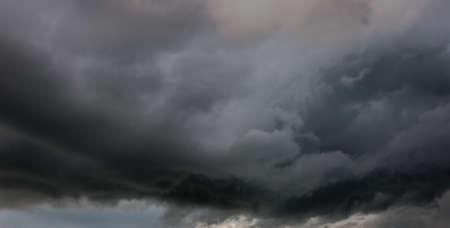 strom: dark clouds, Weather Strom before raining