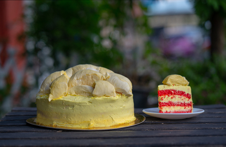 Durian cake and fresh yellow durian, Homemade Bakery in thailand, using as a background or wallpaper and text Standard-Bild