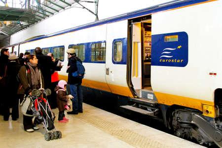 eurostar: Eurostar train stop in Lille station France
