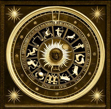 Horloge de zodiaque de Sephia avec le deatail et la décoration d'or Banque d'images