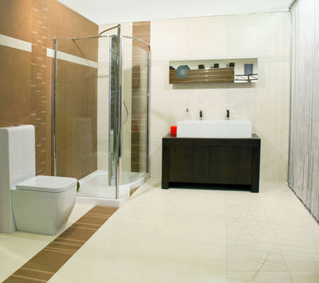lavabo: Classics bathroom with glass shower and big basin