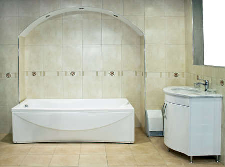 lavabo: Classics bathroom with bathtub and wash basin