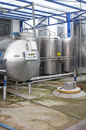 chilling: Dairy factory tanks for milk chilling and refrigeration