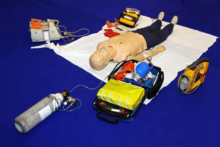 Complete equipment for training mobile emergency at dummy Stock Photo - 15416836
