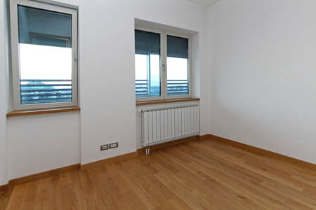New empty small room in renovated home Stock Photo - 19122718