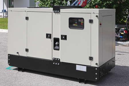 generador: Generador diesel m�vil de energ�a el�ctrica de emergencia Foto de archivo