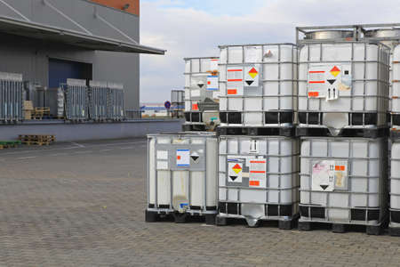Bulkibox containers at pallets for liquid transport
