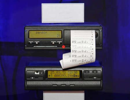 트럭 자동으로 기록 속도와 거리에 장착 디지털 타코 그래프 장치