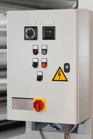 푸시 버튼과 스위치 전기 컨트롤 박스 스톡 콘텐츠