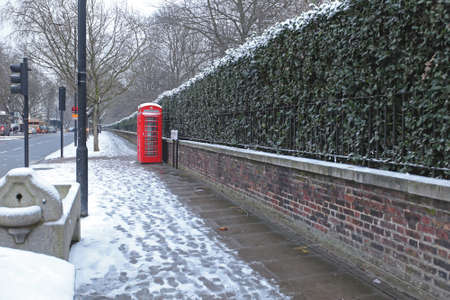 Street Covered With Snow in London Reklamní fotografie - 83952898