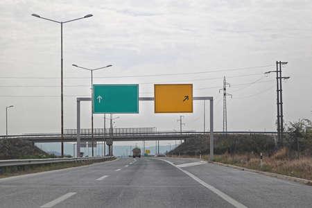 Gantry Traffic Sign at Highway Road Zdjęcie Seryjne
