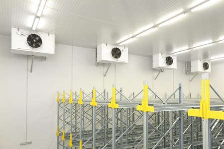 Industrial Air Conditioners Refrigeration Cooling System in Warehouse Stockfoto