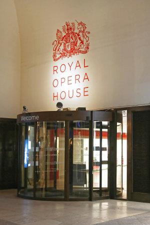 London, United Kingdom - November 17, 2013: Royal Opera House at Covent Garden in London, UK. Redakční
