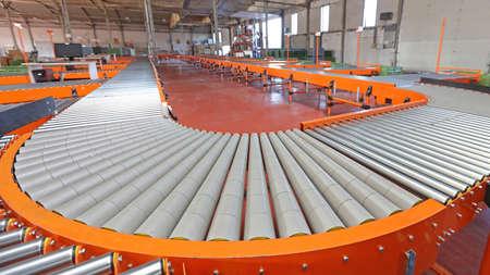 Power Conveyor Roller Bend Sorting System in Warehouse