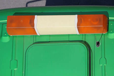 Amber Light Bar at Top of Truck Imagens