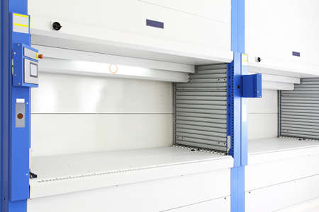 Automated Vertical Carousel Retrieval Storage Warehouse System Reklamní fotografie