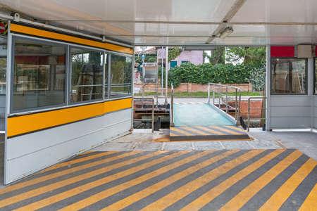 Floating Dock Water Bus Station in Burano Venice 版權商用圖片