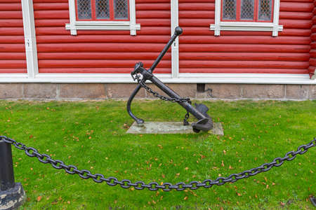 Iron Anchor With Chain From Old Ship in Norway Banque d'images