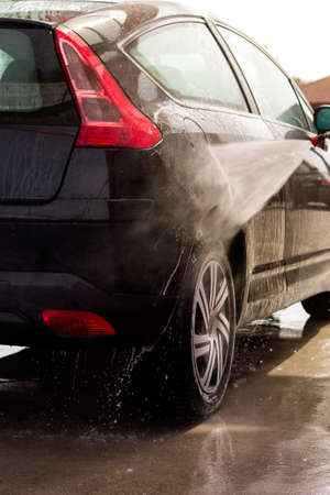 carwash: Lavar el coche en el carwash Foto de archivo