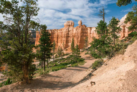canyon: The trail leading to the bottom of Bryce Canyon, Utah, USA