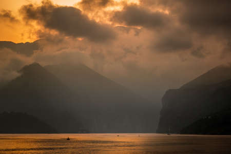 three gorges: Yangzi river (Long river) in China