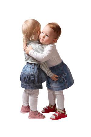 soeur jumelle: s?ur jumelle de deux petites filles isol�e sur fond blanc