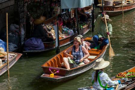 march� flottant: Le march� flottant