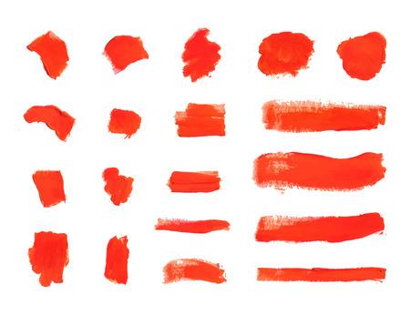 Coups de pinceau de vecteur, frottis de peinture rouge texturé isolés sur fond blanc, ensemble d'éléments de conception.