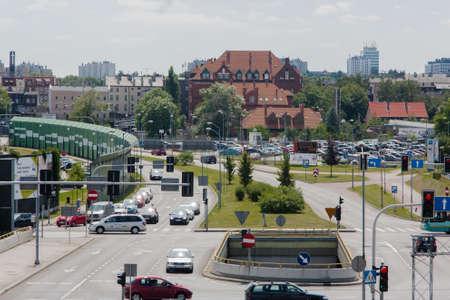 Katowice, Polen - 10 juli 2016: De kruising van de straat Avenue Rozdzienskiego Jerzy Duda - Player in Katowice