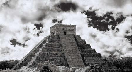 kukulkan: Chich�n Itz�, la principal pir�mide de El Castillo, situado en la Pen�nsula de Yucat�n de M�xico