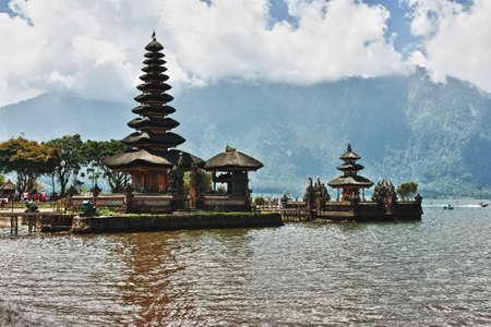 bratan: Ulun Danu temple Beratan Lake in Bali Indonesia