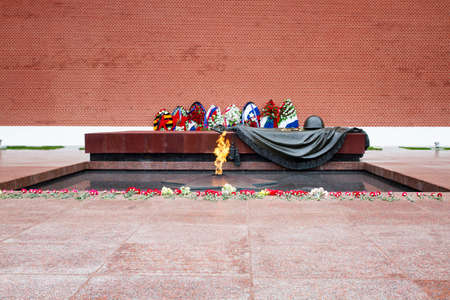 tomb of the unknown soldier: Tomb of the Unknown Soldier with eternal flame