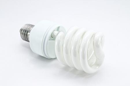 bombilla de ahorro de energía en un fondo blanco