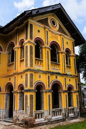 reparations: Renovaci�n edificio colonial en Nakhon Panom, Tailandia Foto de archivo