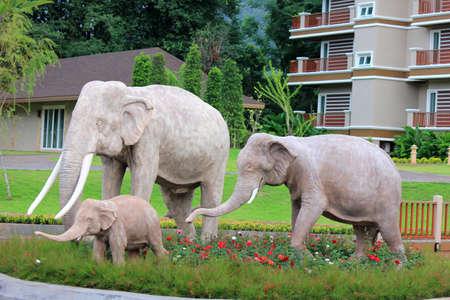 코끼리 가족 조각