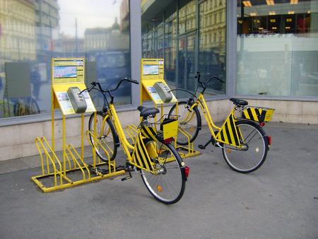 time drive: Two bikes for rent. Rent bikes can be rented for a certain time and drive in the capital of the Czech Republic.