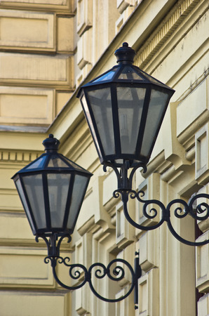 neoclassic: Typical stylish lanterns on 19th century neoclassic building dominant in Vienna, Austria